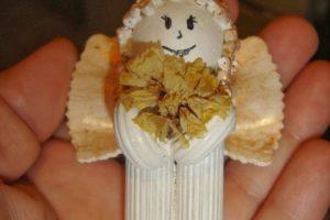Souvenir navideño de angelito