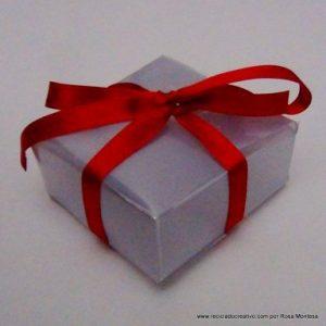 Cajas con botellas recicladas (7)